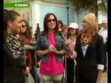 Алена Винницкая даёт интервью на походе